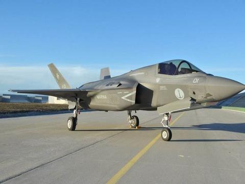 为了一架F35战机,海军空军大打口水战:要不剪刀石头布来决定?