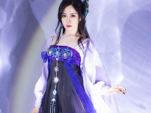 女星穿汉服,王艺瑾明艳动人,孔雪儿清秀,而她宛如仙女!