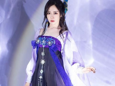 女明星穿汉服的样子,王艺瑾明艳动人,而她宛如仙女下凡