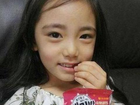 6岁就被经纪公司看中,承诺等她10年,如今是淘宝名模却遭争议