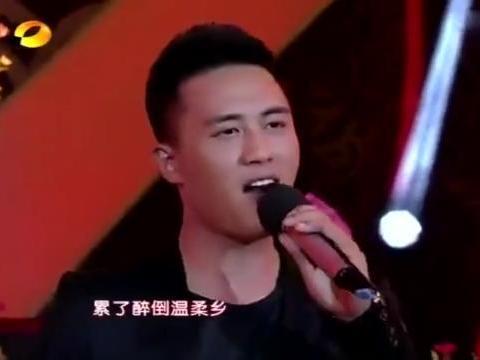 杜淳翻唱《爱的供养》,粗犷的声音,唱出不一样的味道