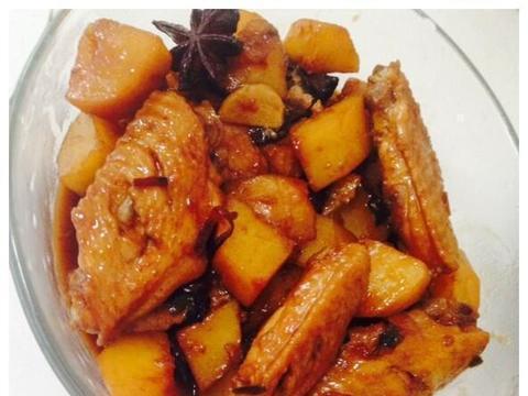 美味家常菜:土豆炖鸡翅,泡椒鸡片,枣香猪脚