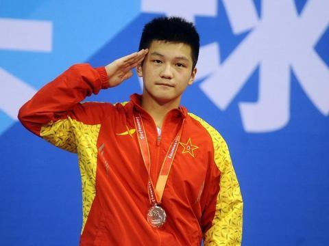 八一乒乓解散,刘国梁引领三代奥运冠军成绝唱,小胖去向引人关注