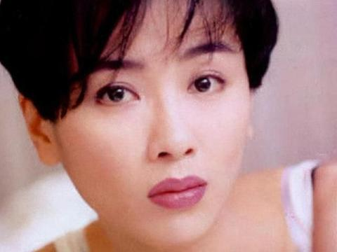 她美貌不输黎姿,弃郭富城与富豪相恋未果一度轻生,47岁入佛门