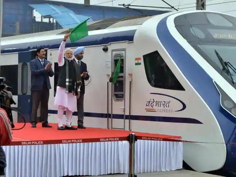 印度国产机车被取消量产,一心要进口货,堪比印军高价买国外军火
