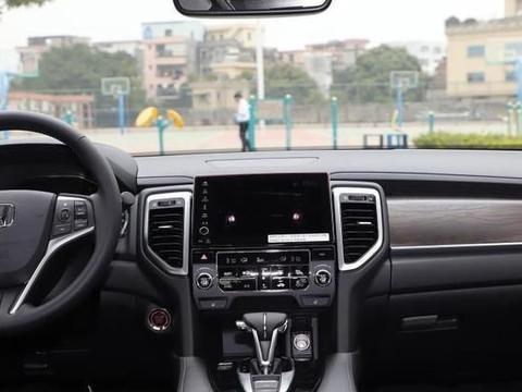 全款32万购入本田URV,对比开过的凯迪拉克XT4,车主给了中肯评价