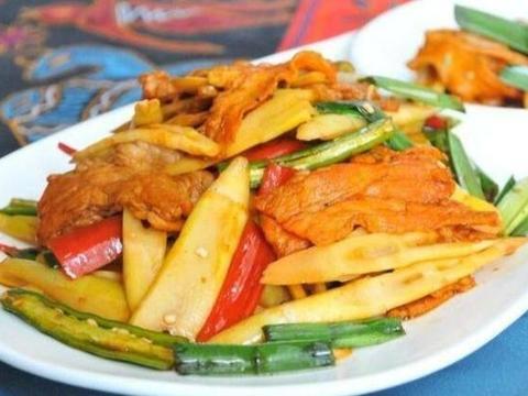美味家常菜:春笋炒肉,四菌汤,清炒黄瓜花仔