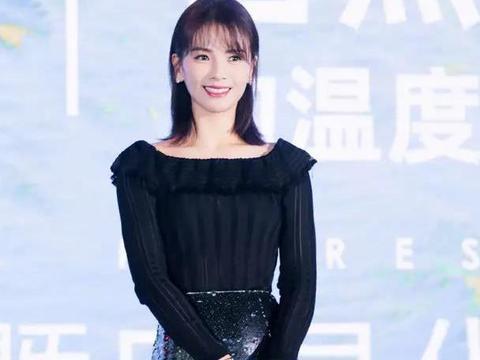 41岁刘涛终于换发型,齐肩短发温柔十足,穿上鱼尾裙更显女人味