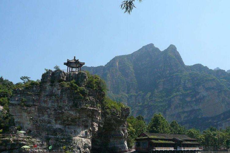 """河北最""""受宠""""景区,号称""""石家庄小华山"""",距市中心120公里"""