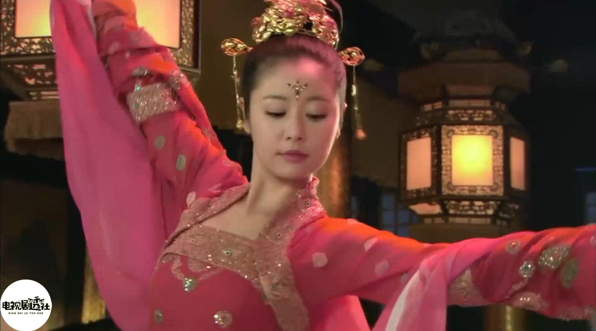 《倾世皇妃》堂姐湘云献舞为马馥雅凤舞九天暖场……