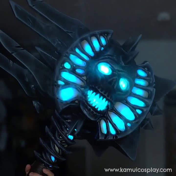 国外道具师打造伯瓦尔武器!晃一下就能切天赋变成蓝色!