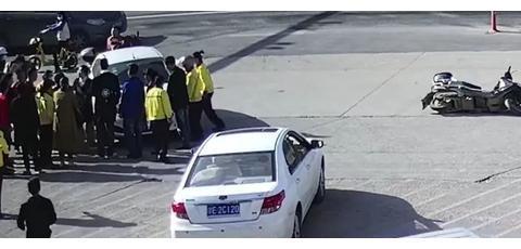 东阳儿童被卷车底,他们仅用46秒合力救出!|电动车|轿车|电瓶车