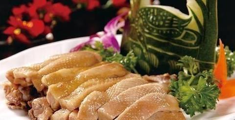 南京桂花鸭:皮白光滑、鲜嫩、肥不腻