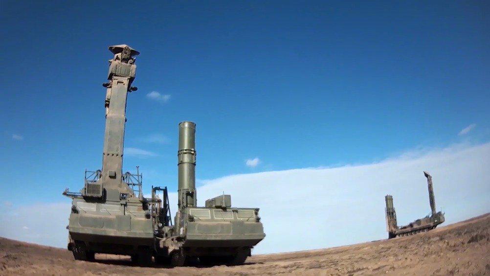 俄军在卡普斯京亚尔训练场使用最新型防空系统进行演习