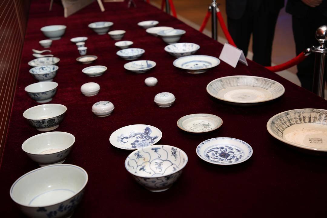 """百件清代""""泰兴号""""珍贵瓷器入藏中国航海博物馆"""