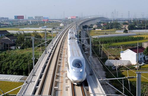 沪杭高铁开通十年 每日运行列车从50对增至148对图片