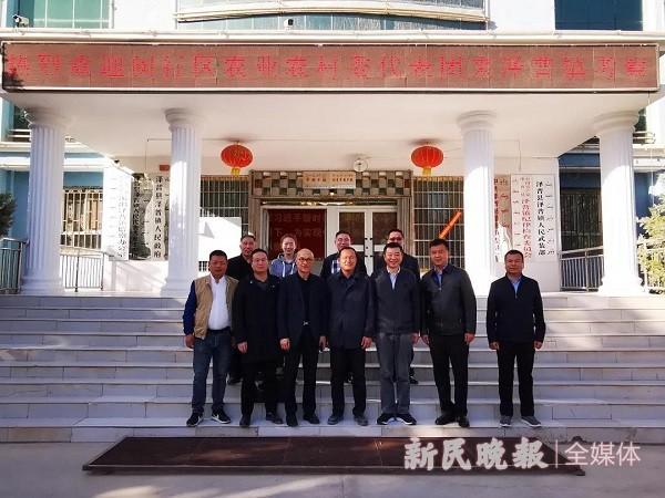 上海市闵行区农委代表团赴喀什地区泽普县开展结对帮扶工作考察