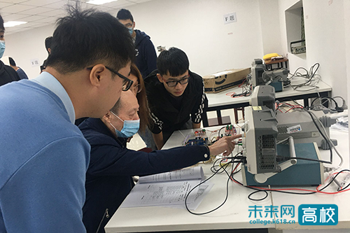武汉理工大学学子在湖北省大学生电子设计竞赛中再创佳绩