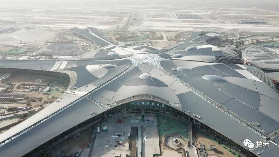 △ 2018年1月16日,航拍新 站场航机楼。。拍照 /新京报记者王飞
