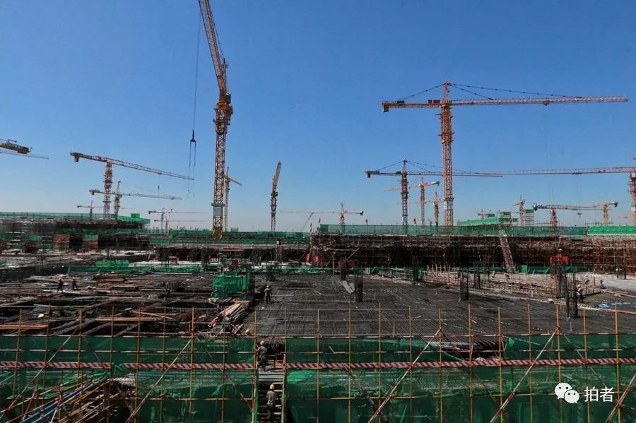 △ 2016年9月8日,建立中的 站场航机楼。。拍照 /新京报记者王嘉宁