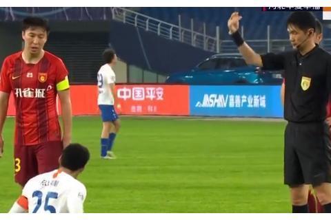 主裁判艾堃+VAR张雷!鲁能读秒绝杀被吹,防守球员都没失位