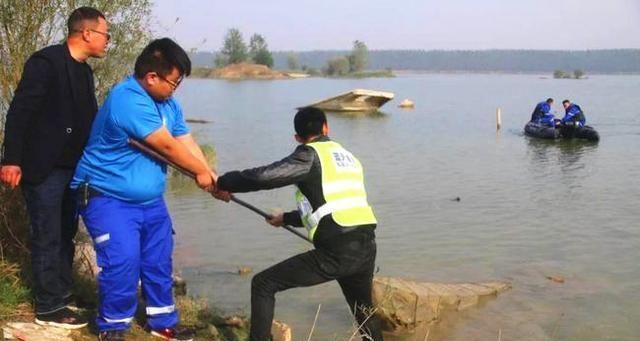 男子捞鱼竿溺亡 同行亲戚和鱼塘老板赔了6万元