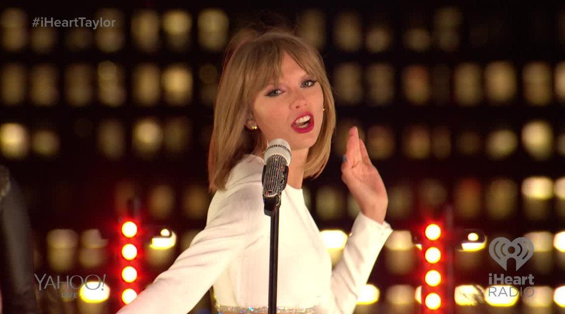 今天是霉霉Taylor Swift专辑《1989》发行6周年的日子 !