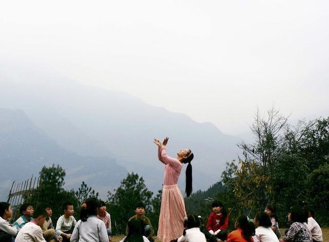 12年前汶川地震后,下肢截断痛失爱女的廖智,后来境况如何?