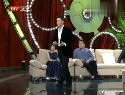 节目现场杨志刚大秀舞蹈~ 会演戏还能跳舞,真的太厉害了!