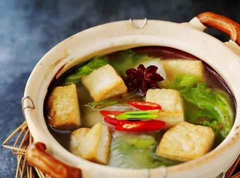 白菜豆腐超好吃的做法,饭店大厨教你诀窍,上桌后连汤汁都不剩