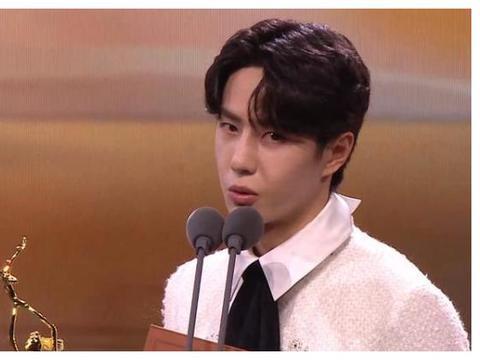 王一博获奖,倪萍的表情充满嫌弃,宋茜也感觉特别不公平