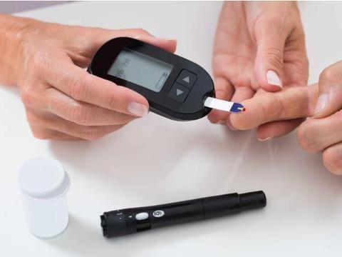 身体有这6种表现,当心糖尿病已找上门,需及时控制血糖