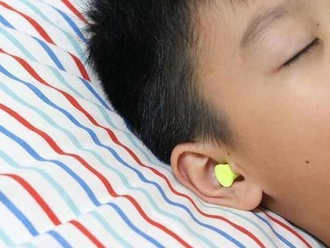 作为家长,可要给孩子更好的睡眠质量——秒秒测抗噪睡眠耳塞
