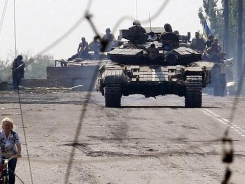 阿军突入亚美尼亚本土后,迎面撞上一支俄军,现场战况瞬间逆转