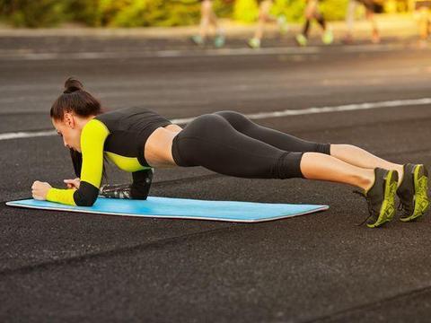 锻炼臀腿好处多,8个动作练起来,帮你练出翘臀,拥有均匀大长腿