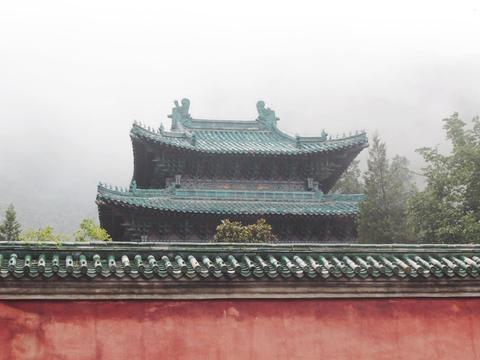 武当山保存最完好皇家宫观,门票仅15元,许多游客却嫌贵