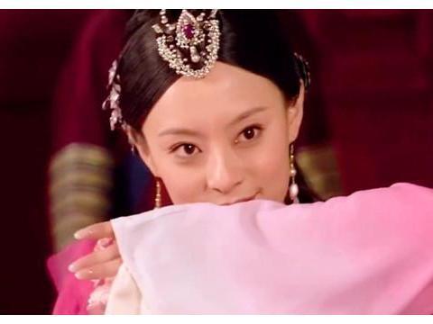 甄嬛传:甄嬛被曹琴默刁难,皇帝为何不解围还让她跳惊鸿舞呢?