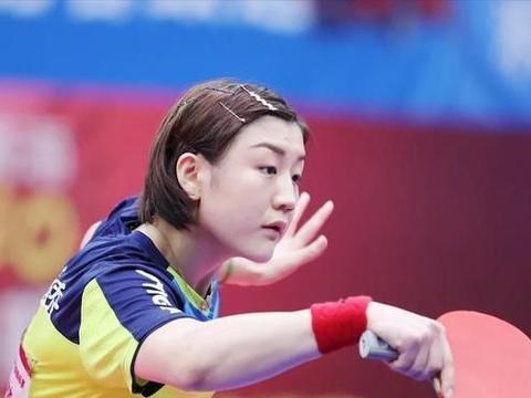 女乒世界杯,孙颖莎和陈梦争夺奥运单打名额的一次比赛,谁都想赢