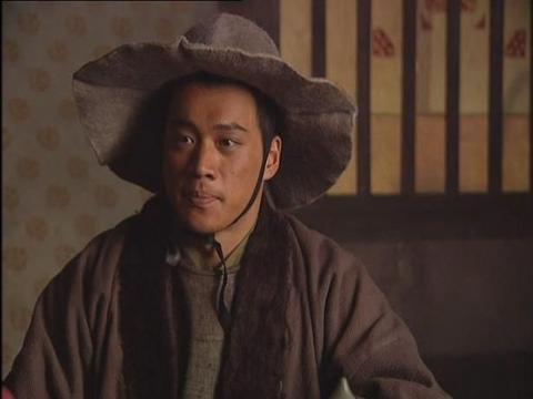 """他是""""武松""""丁海峰,娶大2岁幼师相爱32年,今儿女双全惹人羡"""