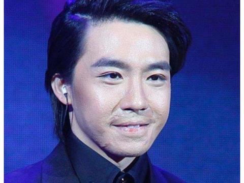 俞灏明用烧伤的右手做面包,刘宇宁的无视是对他最大的尊重