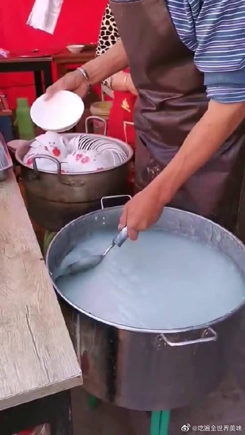 """五元一份的解暑藕粉,却被大爷熬成了""""米饭""""!"""