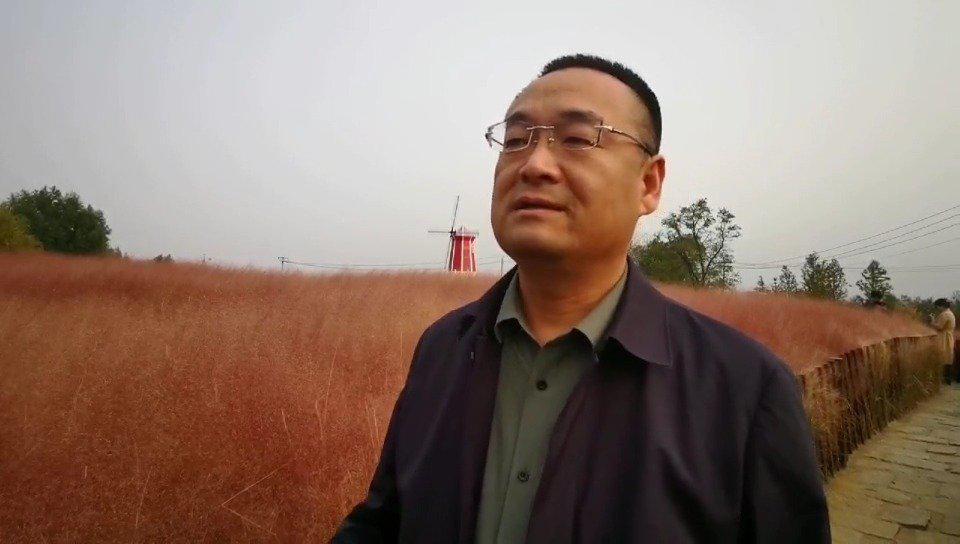 菏泽日报社党委委员、副总编,牡丹晚报总编辑……