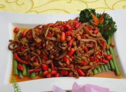 家常菜:味醇汁浓的东坡肉,咸淡适中的牛肉末茄丝