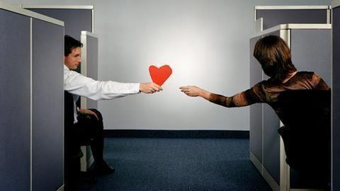 都说办公室恋情是禁忌?《非一般职场》:来我这里生猴子吧!