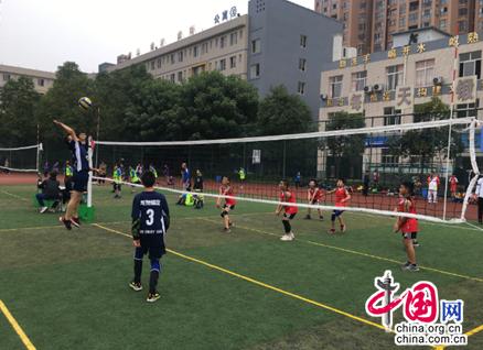 成都龙泉二小男子排球在市第五届小学生综合运动会上获佳绩