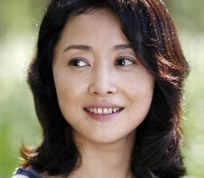 51岁刘蓓近照,感情一波三折,两嫁同一人成张若昀后妈!