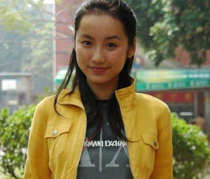 她是唐嫣的好闺蜜,由于吃火锅被富二代看上,闪婚后生活让人羡慕