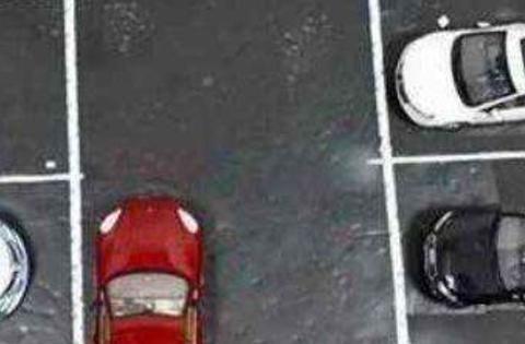 一个确定的倒车方法,学会后,新手也可以把车放进一个盘子里