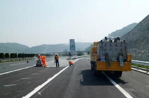 为啥混凝土被禁止用来修高速公路了?是有什么问题吗?看完长见识