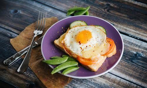 """骨科专家:早餐是养骨""""黄金餐"""",吃对3种食物,骨会笑开颜"""
